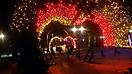 Новогоднее и праздничное украшение зданий и улицы_9